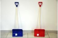 Lopata na vyhrnování sněhu s T ručkou plast/dřevo 87cm asst 2 barvy