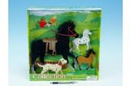 Kůň fliška 25cm + 2 koníci 11cm + pejsek 11cm s doplňky v krabici