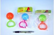 Chrastítko srdíčko koule plast 11cm; 3 barvy; v sáčku od 0 měsíců - 1 kus