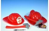 Přilba hasiči požární 28cm se sekyrou 26cm v síťce