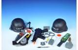 Policejní sada - helma 22cm+samopal 34cm +doplňky v síťce